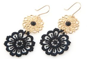 FREE SHIPPING Idit Stern Black And Gold Flower Ear by iditstern