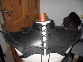Leather fantasyshoulder back by Nayberg