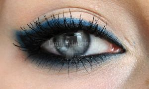 Blue eyeliner by Breathtaken