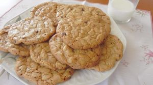 Homemade Chocolate Chip Cookies 2 by Cogumelah
