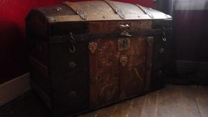 Antique trunk4 by xXtimeless-stockXx