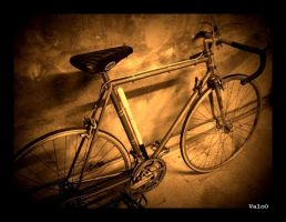 Old Bicycle by Cixipod
