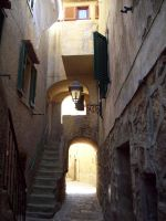 a mediaval alley by greentortoise