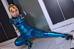Katsucon 2015 - Zerosuit Samus(PS) 06 by VideoGameStupid