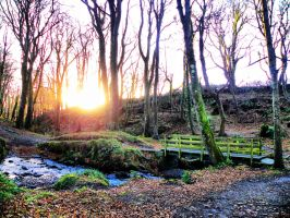 Sun Goes Down Over The Glen by basement-ghost
