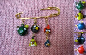 Angry birds pin by Redilion