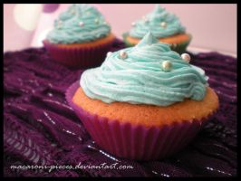 Corny's Cupcakes by Macaroni-Pieces