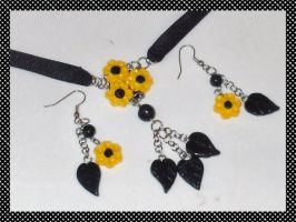 Sunflower necklace set by EruwaedhielElleth