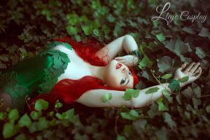 Poison Ivy cosplay by Ashitaro