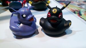 Espeon and Umbreon Ducks by spongekitty