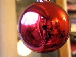 bauble reflection 5 by ARAart