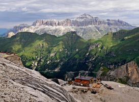 Alpine Hut by Sergiba