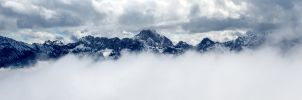 Misty Mountains by lokinst