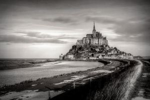 Mont-Saint-Michel by kakobrutus
