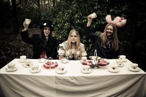 alice4-the tea party by Lady-Twiglet