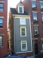 Narrowest House in Boston by uglygosling