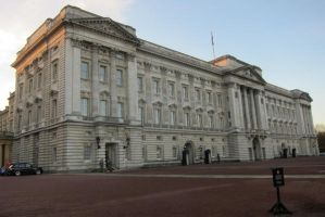LONDON - Buckingham Palace by elodie50a