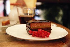 Chocolate cake by Alhor-Ern