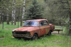 rusty car by two-ladies-stocks