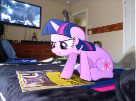 Twilight Trying to Read by EMedina13