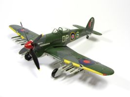 1:72 Hawker Typhoon VIII by Zero-Cannard