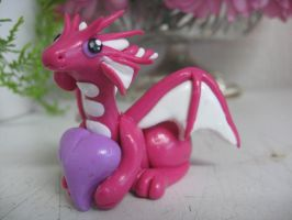 Valentine's day dragon by assassin-kitty