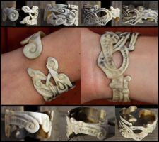 Hand of Doom Horn Bracelet by Wodenswolf