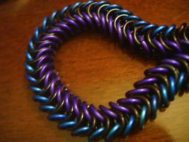 Blue and violet Boxchain by lunabellvarga