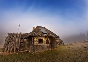 Hut of Bukovina, by lica20