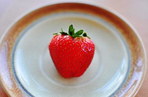 strawberry by hennatea