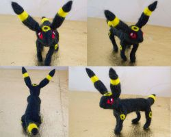 Umbreon Felt by Turtle-Duck