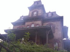 Disneyland Paris - Phantom Manor -20- by Maliciarosnoir-stock