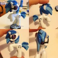 Vinyl scratch dj pon3 blind bag custom by Affanita
