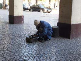 Shoe painter by Magdyas