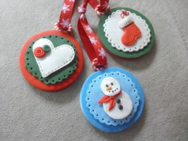 Christmas Ornaments by estranged-illusions