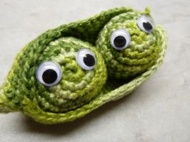Amigurumi Peas in a pod by CraftyGeeks