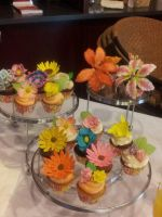 Flower Topped Cupcakes by simplysweets