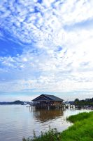 side mahakam river by gegetlonely