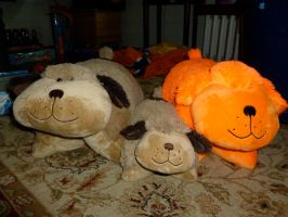 Pillow Pet Dog Family by WarriorCatLuver123