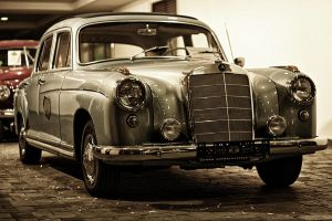 Mercedes Benz 220S by Csipesz