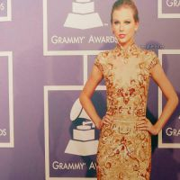 Display Taylor in the Grammys 2012 02 by SWAGBiebsTay