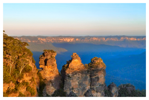 Blue Mountains and Three Sisters by tezzan