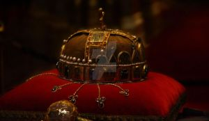 holy crown of Hungary by Ghostsk8ter