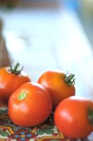 Unos Tomates by Phrosty12