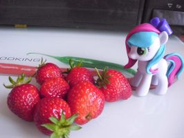 Strawberry time by Celestia-In-Love