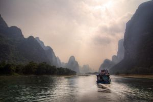 Guilin, Li River Cruise by alierturk