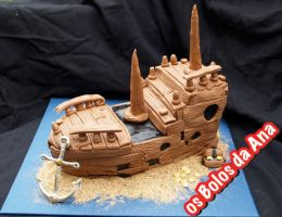 Old Shipwreck Cake by osbolosdaana