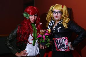 ColossalCon 2014 - Race Queen Ivy and Harley by VideoGameStupid