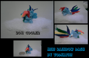 Freaking mini Rainbow Dash by 0Vodkat0