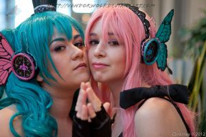 Vocaloid: Magnet Luka and Miku by VandorWolf